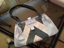 My eldest niece, Kimmy, scored this bag