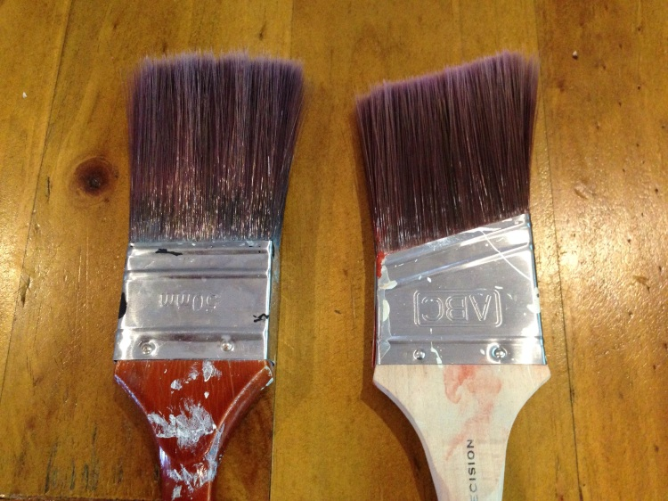 Regular 50 mm brush (left) and angled 50 mm brush (right)