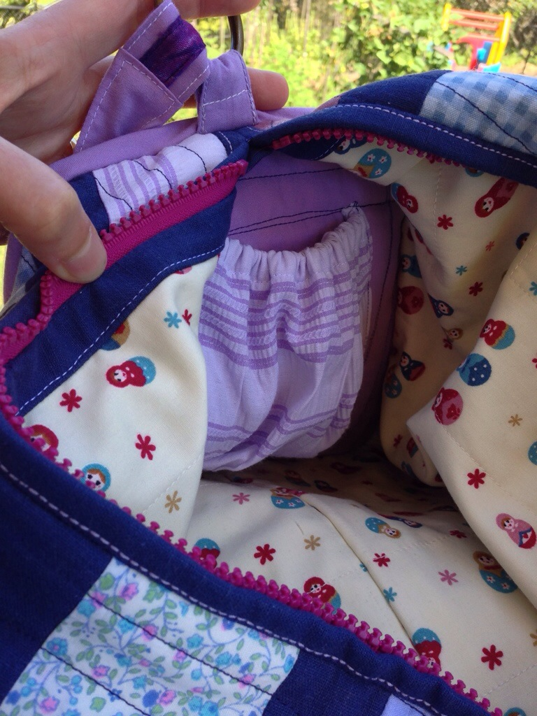 Elasticised pocket