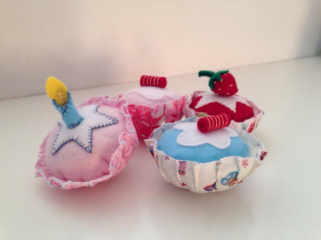 Pink cupcake set