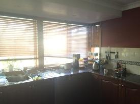 Kitchen sink window blinds
